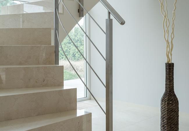 Betonnen trap met bocht of kwartdraai betonnen trap for Looplijn trap