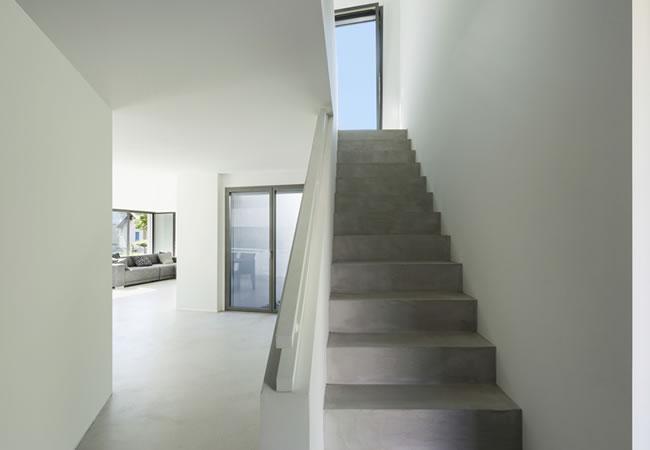 een gepolierde betonnen trap plaatsen of uw betontrap laten polieren betonnen trap. Black Bedroom Furniture Sets. Home Design Ideas