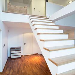 Soorten betonnen trappen rechte betontrap betontrap met bocht en wenteltrap in beton - Moderne betonnen trap ...