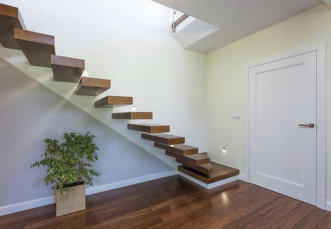 Prijs Zwevende Trap : Betontrap treden plaatsen: de zwevende betonnen trap betonnen trap